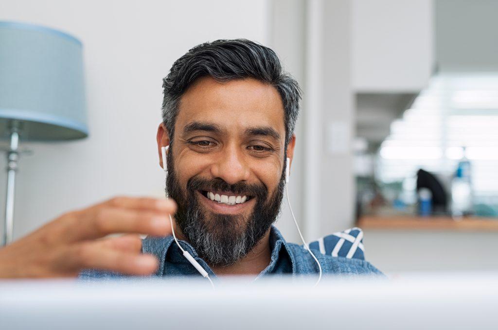 Listening skills in action from a facilitator doing virtual facilitation